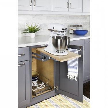 heavy duty mixer and appliance lift mechanism