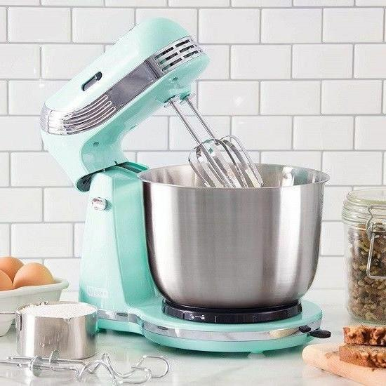 Stand Mixer Cooking Cake